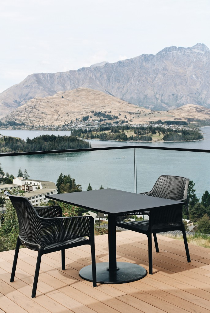 Image of outdoor setting overlooking the lake at Kāmana Lakehouse.