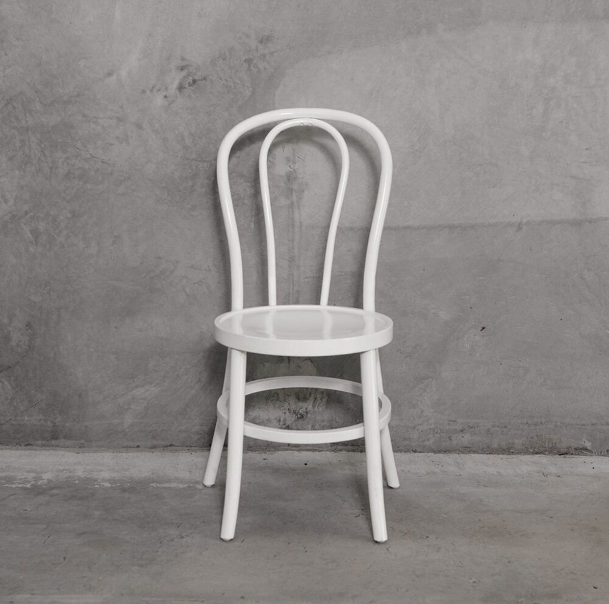Bentwood chairs (white)