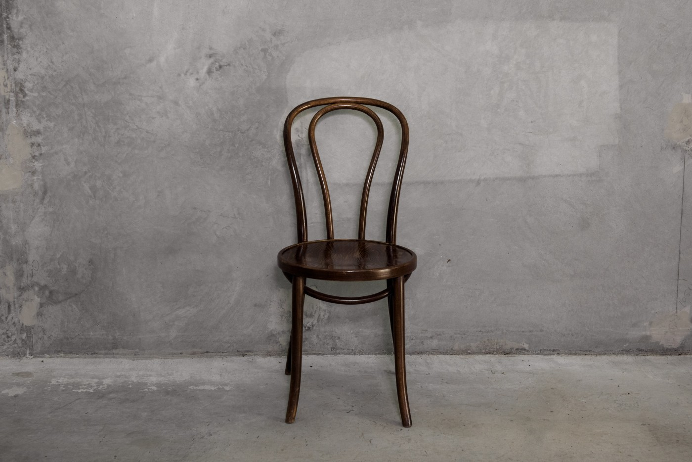 Bentwood chairs (brown)