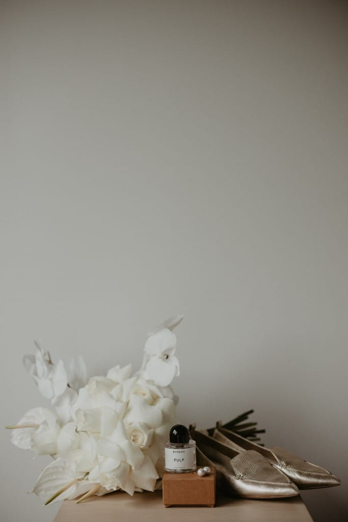 Image of white wedding day florals